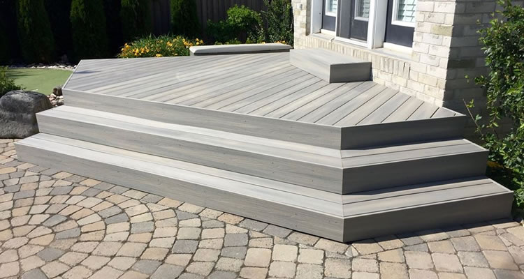 Composite Deck Builder Nepean and Ottawa