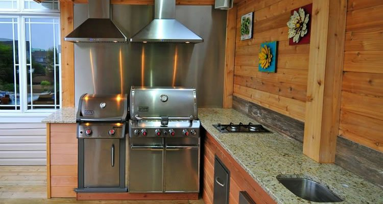 outdoor-kitchens-living-feature